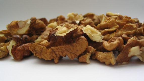 כדורי אגוזים ודבש — מתכון קל למאכל טעים